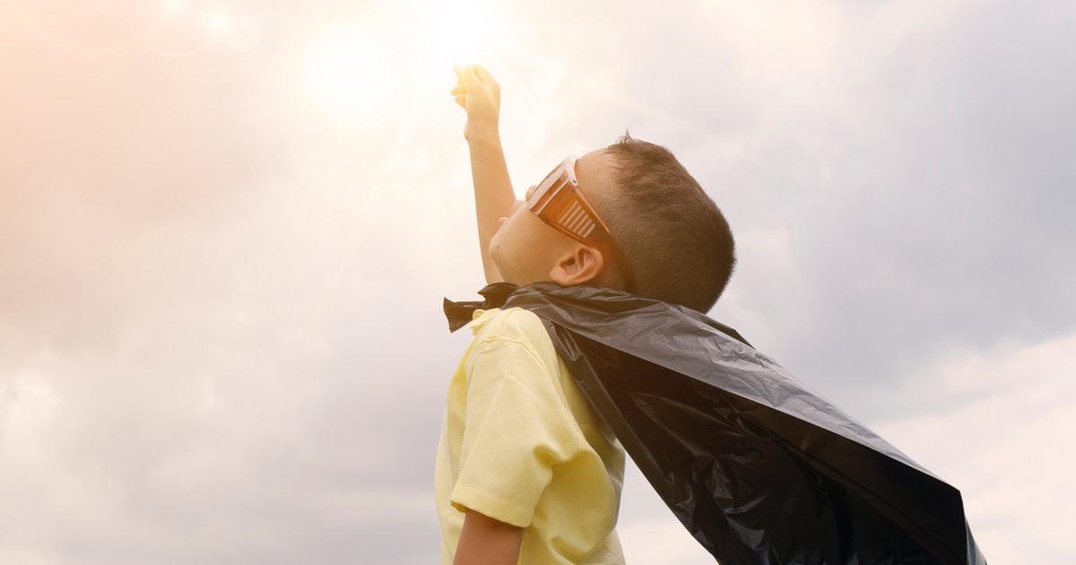 スーパーマン風の子供